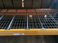 Sportliche Lagerumstrukturierung mit Gitterböden