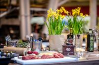 Auf die Zange, fertig, los! - Profikoch Wolfgang Weigler gibt Tipps für den Start in die Grillsaison