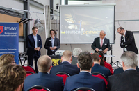 Unternehmer aus der Region Oldenburg besichtigen LED-Produktionsstätte