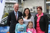 Rüsselsheimer Volksbank und Teambank erfüllen Herzenswünsche