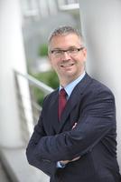Frank Kebsch folgt auf Michael Weinreich als CEO Financial Solutions