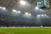Showtime auf Schalke - Hisense baut Europas größten Videowürfel für die VELTINS-Arena