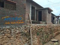 Freude nach der Erdbebenkatastrophe: das neue Haus steht!