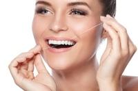 Zahnärztin (Reutlingen): Auf Zahnimplantat setzen
