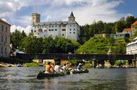 showimage Rockmusik auf mittelalterlichen Burgen