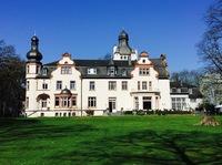 3. Tutor seiner Heiligkeit des Dalai Lama zu Gast im Gezeiten Haus Schloss Eichholz