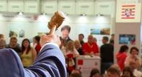 Heute RTL Reportage: Schnäppchenjäger auf der Zoll-Auktion