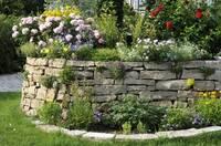 Gartenmauern aus Naturstein