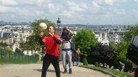 Spektakuläre Tricks zur UEFA EURO 2016™ -Hisense kooperiert mit  Top-Fußball-Freestylern