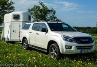Pferdeanhänger-Zugfahrzeugtest auf Mit-Pferden-reisen: Pickup Isuzu D-Max Double Cab
