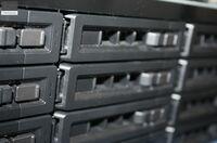 Was ist besser? Ein alter oder neuer Raid Server?