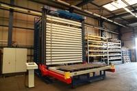 Mit Blechen hoch hinaus: große Lagerkapazität für Hallenhöhen bis zu 12 Metern