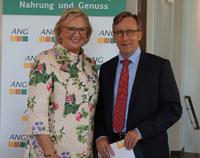 ANG-Präsidentin Brigitte Faust dankt Dr. Reinhard Göhner
