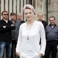 Anonym - neue Sängerin vollendet den melodischen Pop-Rock der Band
