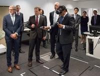 Industrie 4.0: Singapur-Delegation informiert sich bei Fraunhofer IGD über Web-Technologien