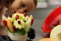 Bei Fruity Flowers werden Früchte zu einzigartigen Sträußen arrangiert