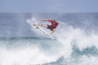 TAJ BURROW GEWINNT BEIM LUXURIÖSESTEN SURF EVENT DER WELT