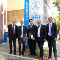 Duales Studium: Hamburger Fern-Hochschule und Berufliche Schule Hamburg-Harburg vereinbaren Zusammenarbeit