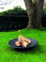 Flammenzauber auf Guss gebettet: Feuerschale im Großformat bringt den Garten zum Strahlen