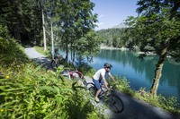 Geheimtipp für die Herbstferien: E-Bike-Urlaub in der Schweizer Bergwelt Flims