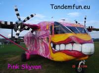 Tandem-Fallschirmspringen über dem bayerischen Wald
