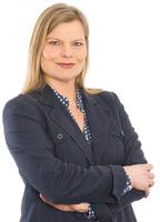 Erfahrene Moderatorin mit journalistischem Hintergrund