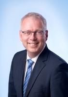 Vorstand der Rüsselsheimer Volksbank eG feiert 20-jähriges  Betriebsjubiläum