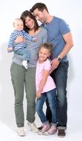 """Die Initiative """"Kleine Helden leben sicher"""" informiert Eltern zu den passenden Produkten vor dem Einzug ins Kinderzimmer"""