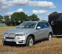Pferdanhänger-Zugfahrzeugtestauf Mit-Pferden-reisen.de: BMW X5 xDrive40d
