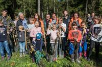 Pflanzaktion der Sparda-Bank München: 10.000 Bäume für den Altöttinger Forst