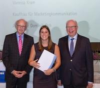 Auszubildende Vanessa Kram von Walter-Fach-Kraft ist Jahrgangsbeste in ihrer Berufsgruppe