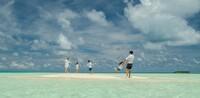 Familiäres Urlaubsglück im grenzenlosen Paradies auf den Malediven entdecken