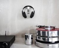 Kopfhörer gut abgehangen: Neue Alu Style Kopfhörerhalter von Oehlbach