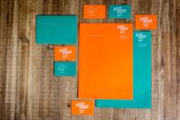 Ghost White Toner und ARTOZ Papier AG stellen Online-Creator für Druckprodukte mit weißem Druck vor.