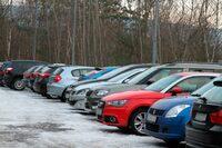 Eis und Schnee auf dem Firmenparkplatz: Wer zahlt bei einem Unfall?