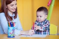 Der Vergleich: Katarakt bei Kindern und älteren Menschen