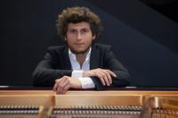 Klavierrecital für den guten Zweck im Stadthaus Ulm