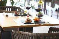 Tapas mit Aussicht - die Pure Salt Luxury Hotels bieten den besten Blick