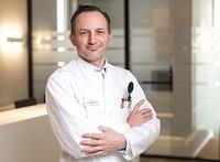 Neue Laser-Augenlid-Korrektur jetzt bei Augenspezialisten Dr. Sebastian Weiß in Gütersloh