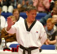 Taekwondo-Großmeister Chang Seong Dong besucht Deutschland