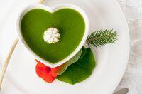 Kapuzinerkresse, Rosenquarzwasser und Zirm-Drops - Detox-Küche à la Südtiroler Hotel Tann****