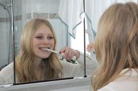 """""""Tipps für weiße Zähne"""" - Verbraucherinformation der ERGO Direkt Versicherungen"""