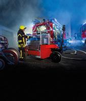 Der erste elektrisch angetriebene Rettungstechnik-Rollcontainer  Günzburger Steigtechnik präsentiert die Marktneuheit eRC
