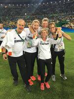 Ich bin immer wieder fasziniert,  wie gut man mit Osteopathie intervenieren kann / Interview mit Birgit Halsband, Osteopathin der deutschen Frauenfußball-Nationalmannschaft