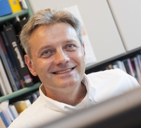 European XFEL setzt auf Kompetenz der Kieler Vater Gruppe