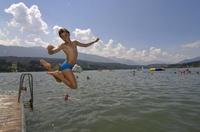See, Badespaß und Berge: Urlaubsträume für Camper