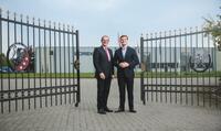 Unternehmer Konstantin Borek von der Borek media Unternehmensgruppe begeistert seine Zuhörer/Innen bei Canon in Venlo (Niederlande)