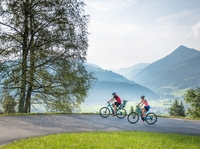"""""""Kulinarische 3Berge.Tour"""" in Altenmarkt: Mit E-Bikes zum Genießen auf die Hausberge"""