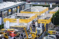 Funkenflug auf der iaf - Neue ROBEL Maschinen im Arbeitseinsatz