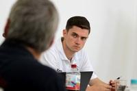 Junger Sportökonom referiert über seine Tätigkeit beim Deutschen Handballbund